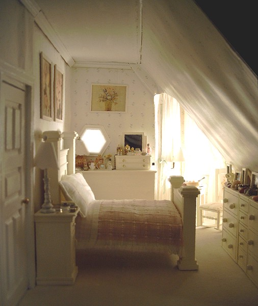 Dollhouse number 5 the san franciscan for Dollhouse bedroom ideas